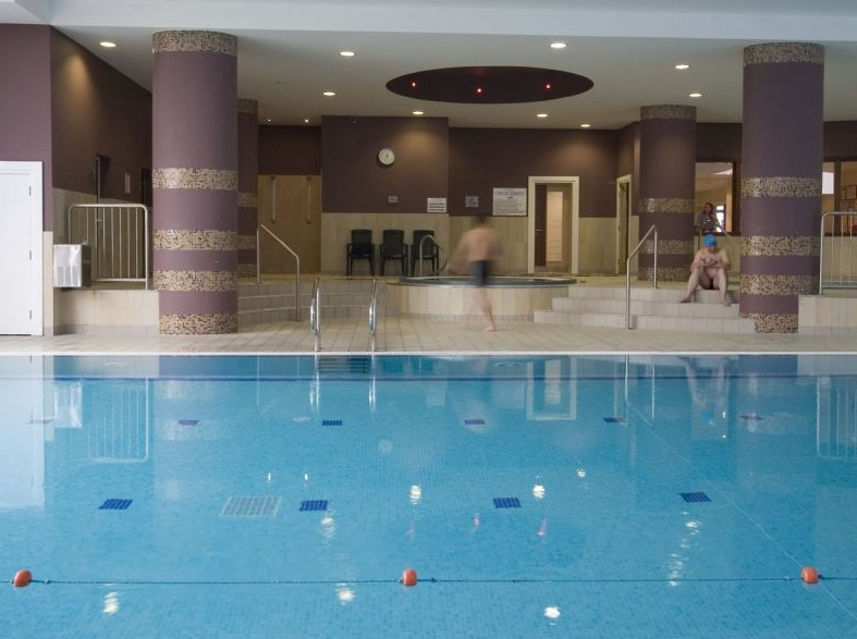Raheen woods hotel - Hotels with swimming pools in galway ...