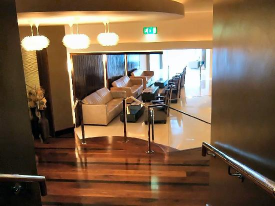 Killarney Hotel to lobby