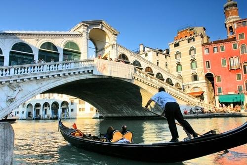 Rialto Bridge: A Taste of Venice Vacation Package
