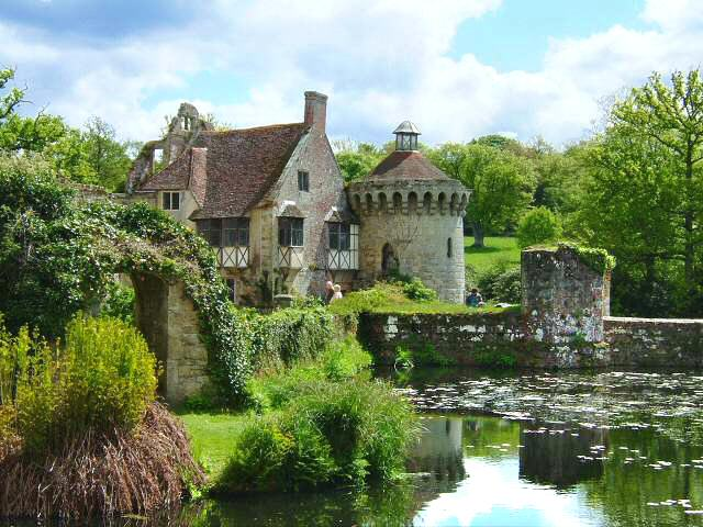 Castles and gardens of south england